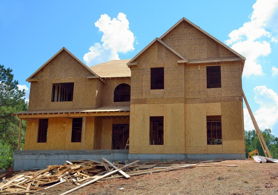 Construction d'une maison : que faire quand le prêt immobilier ne suffit pas ?