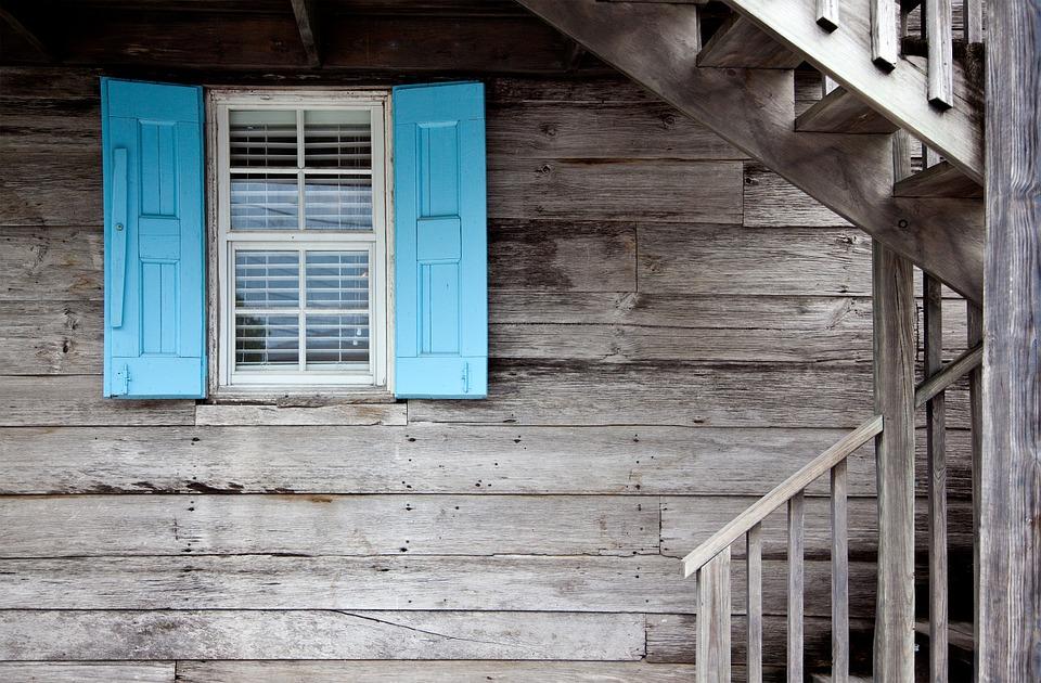 Est-il vraiment nécessaire de demander l'aide d'une agence immobilière pour vendre sa maison ?